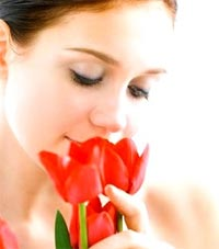 Smelling flowers helps boost memory